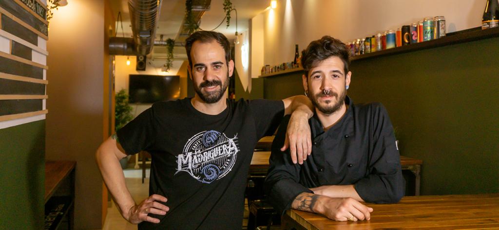 Ramón y Manu B. propietarios de La Madriguera Craft Beer.
